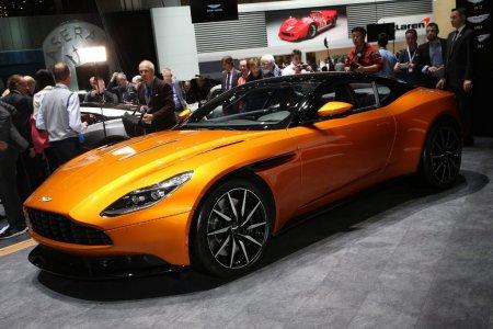 Модель Aston Martin DB11 заказали уже почти 1,5 тысячи человек