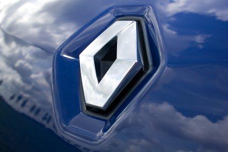 Фотошпионы засняли модель Renault Maxthon