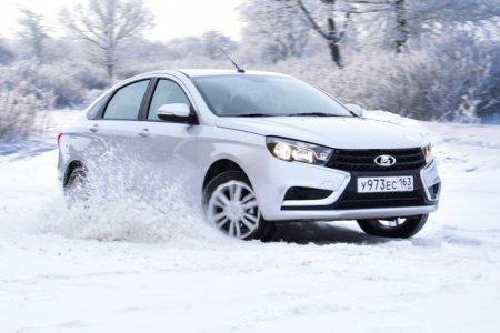 Lada Vesta попала в Топ-5 самых популярных автомобилей России в марте