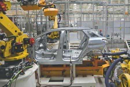 Появились фотографии модели Peugeot 3008 на конвейере